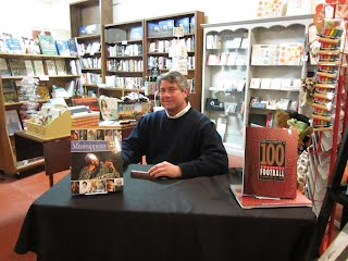 Book signing at Bay Books Bay St. Louis Mississippi : Neil White